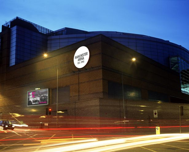 manchester arena night photo traffic