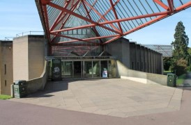 Access to National Motor Museum from main pathway.