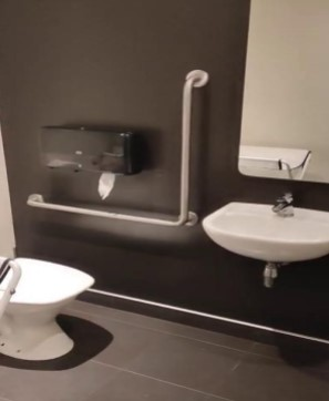 accessible toilet at coffee culture beckenham
